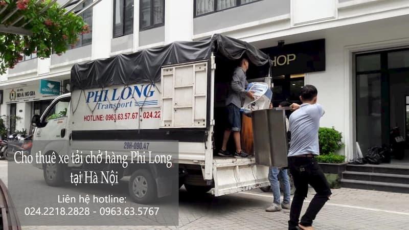 Xe tải chở hàng tết Phi Long phố Hàng Than