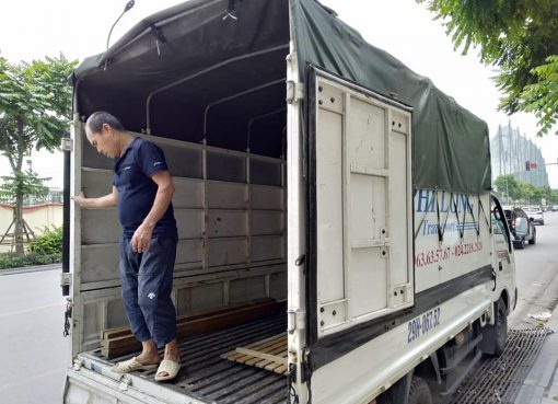 xe tải 500kg chở hàng từ phố Đặng Tất đi Hải Dương